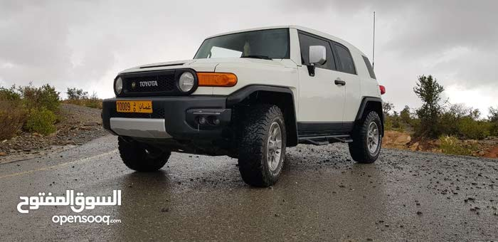 Toyota FJ Cruiser car for sale 2012 in Muscat city