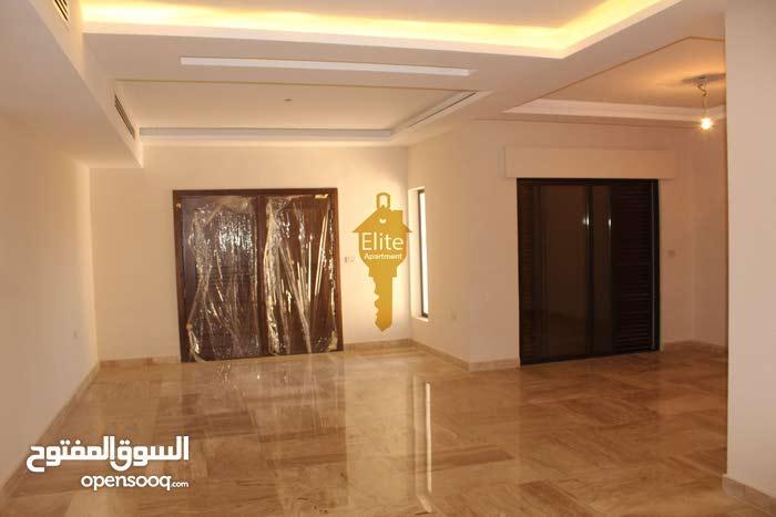 شقه طابق ارضي للبيع في الاردن - عمان - رجم عميش بمساحه 255 م