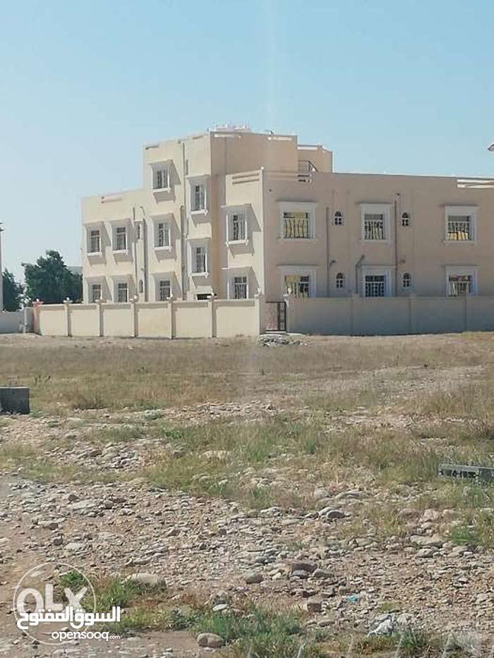 شقة حديثة البناء