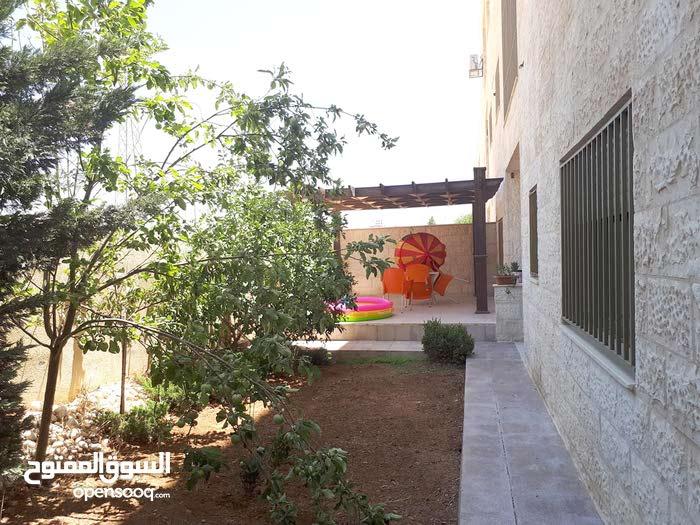 دير غبار شقه مع حديقه  مفروشه للإيجار السنوي