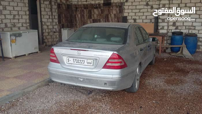 Available for sale! +200,000 km mileage Mercedes Benz C 230 2004