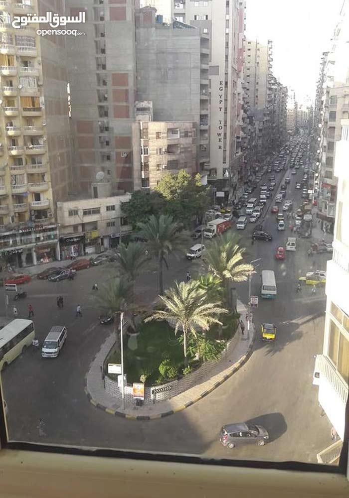 شقه للبيع شارع جمال عبدالناصر سيدى بشر دوران جيهان 125 متر
