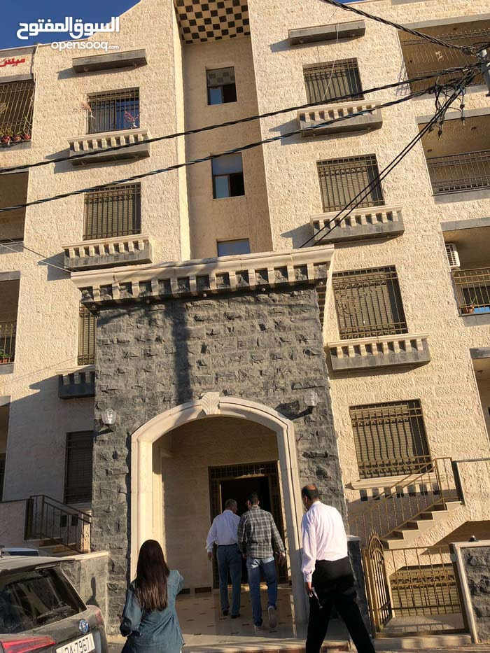 Al Hay Al Sharqy apartment for rent with 3 rooms