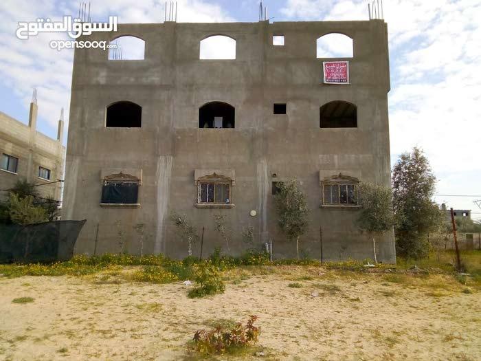 بيت طابقين حديث 160 متر البناء بتلة قليبو بمنطقة بيت لاهيا بق