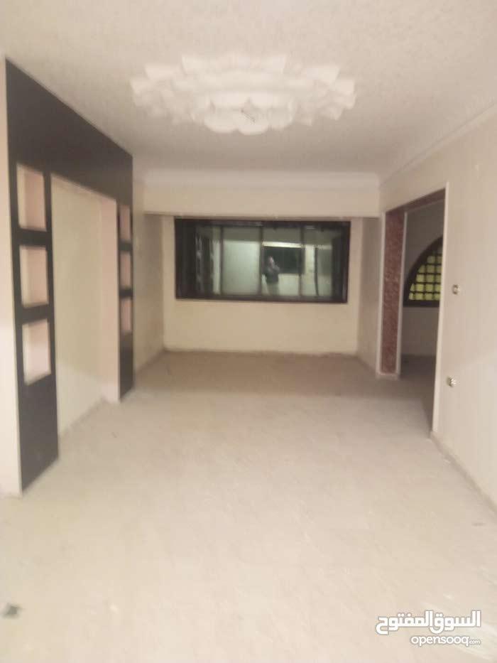 شقة شارع رضا بجوار مدرسة الصناعي بنات سوبر لوكس اول ساكن