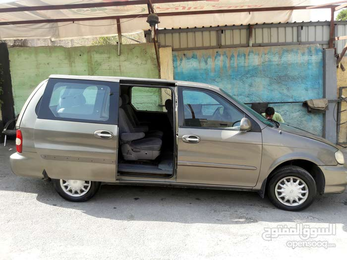 Kia Carnival car for sale 2001 in Zarqa city