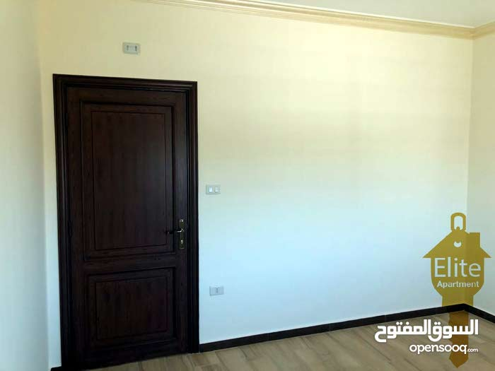 Daheit Al Rasheed neighborhood Amman city - 178 sqm apartment for sale