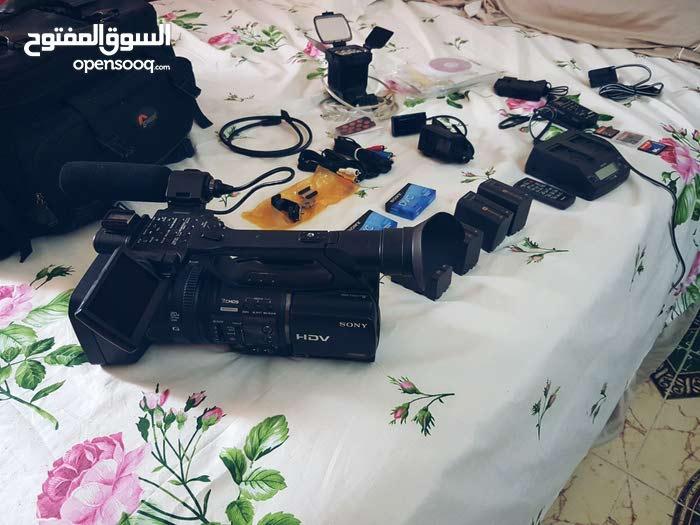 كاميرا سوني HVR-Z5U . و