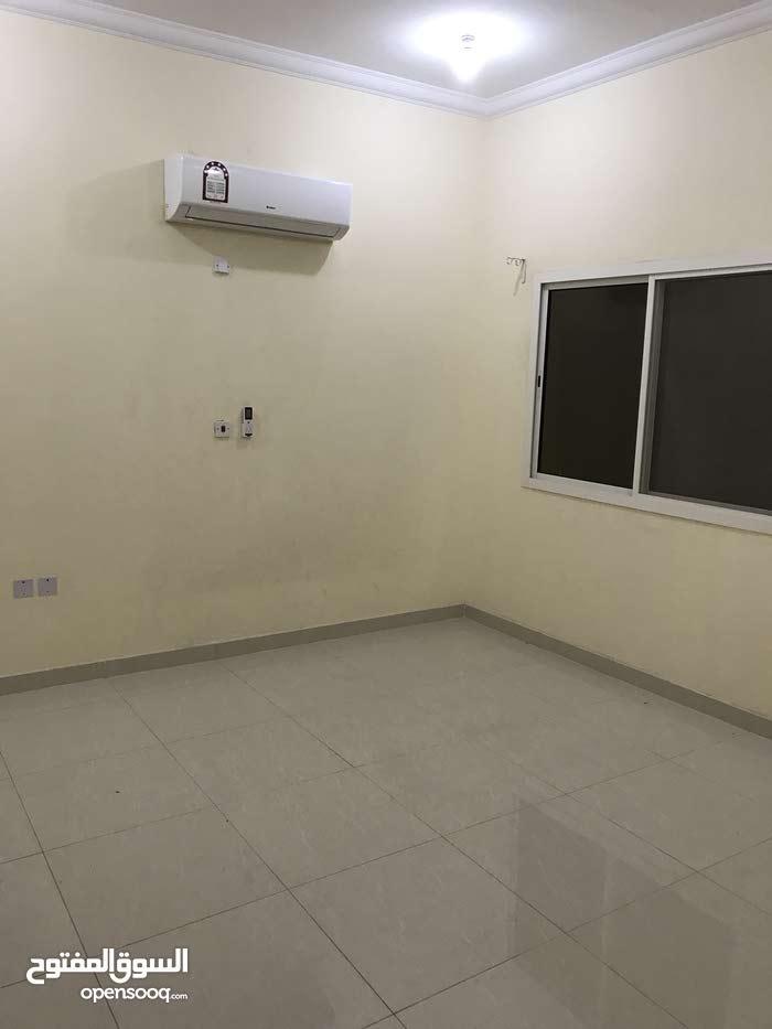 شقه للإيجار أم غويلينا مع المكيفات غرفه وصاله شامل الكهرباء والماء للتواصل 77771252