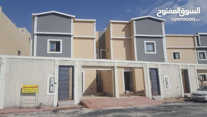 Luxurious 250 sqm Villa for sale in Al RiyadhTuwaiq