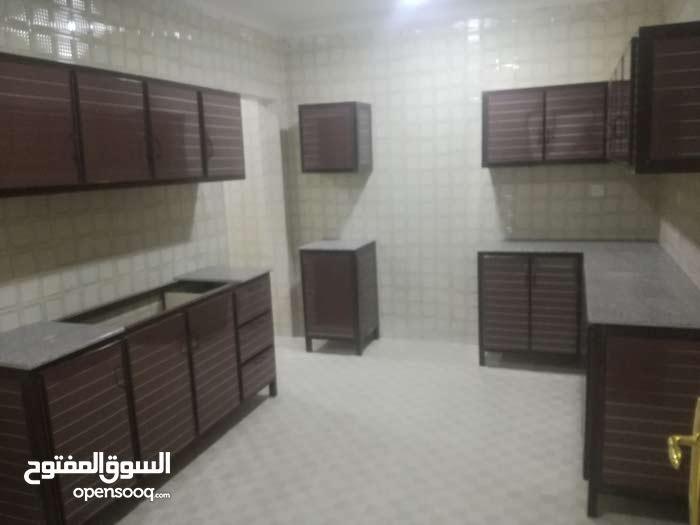 للإيجار شقة في صباح الاحمد بالقسايم 180د ك