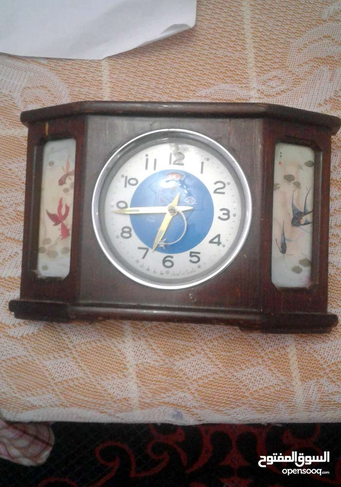 ساعة قديمة للبيع