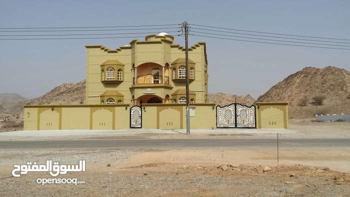 Studio rooms  Villa for sale in Muttrah city Ruwi