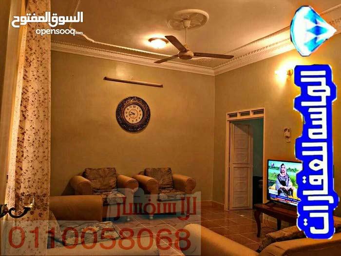 منزل بالفيحاء ارضي واول بسعر رخيص.