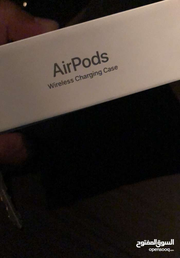 wireless charging case AirPods