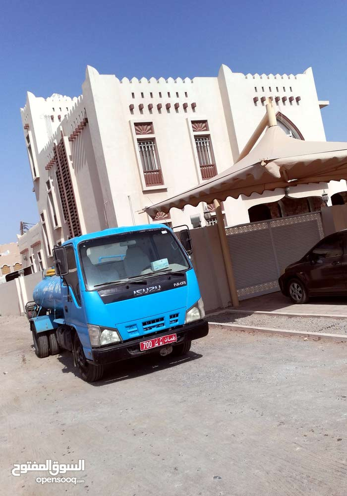 Used Truck in Barka is available for sale