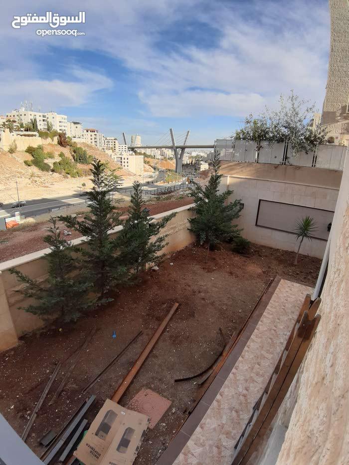 شقة أرضية فارغة للايجار في عبدون جديدة