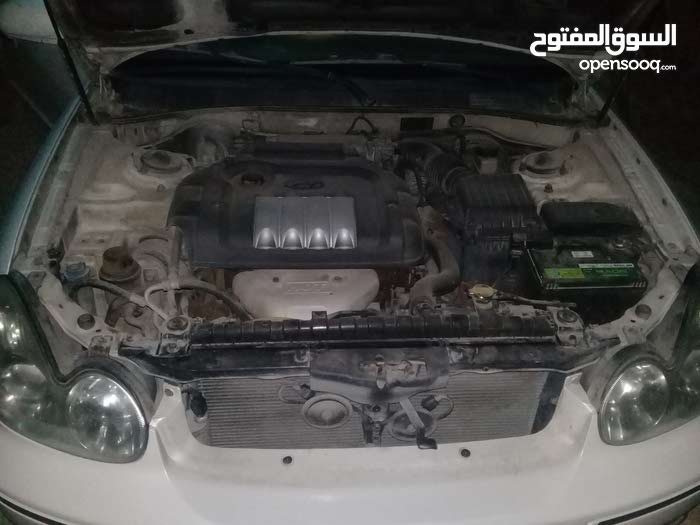 Used condition Hyundai Sonata 2004 with +200,000 km mileage