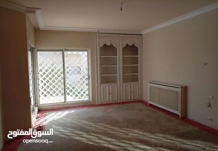 Luxurious 850 sqm Villa for sale in AmmanAbdoun