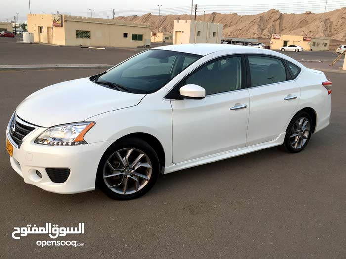 White Nissan Sentra 2013 for sale