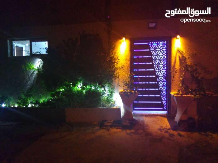 منزل 127م للبيع  في شارع العراق سكره قريب للمشتشفى منجي سليم وك
