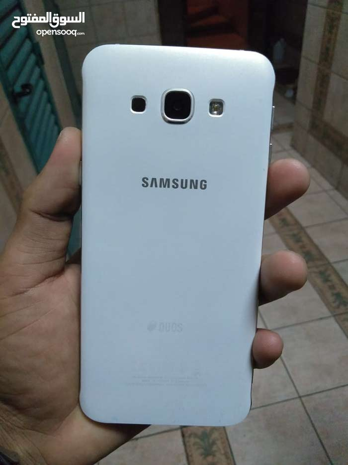 samsung mobile phone A8 for sale one hand used