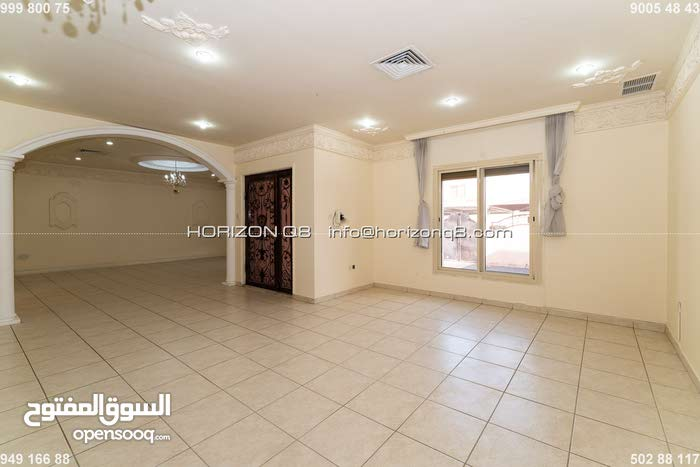 Eqalia - 5 bedrooms villa with yard for expats