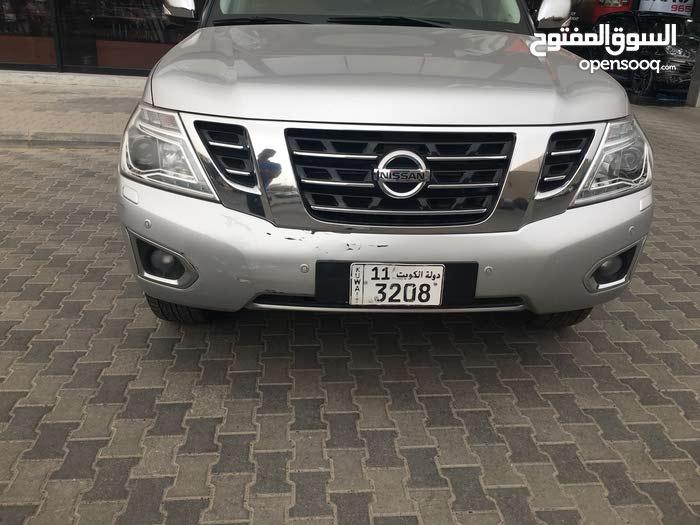 Nissan Patrol car for sale 2014 in Farwaniya city