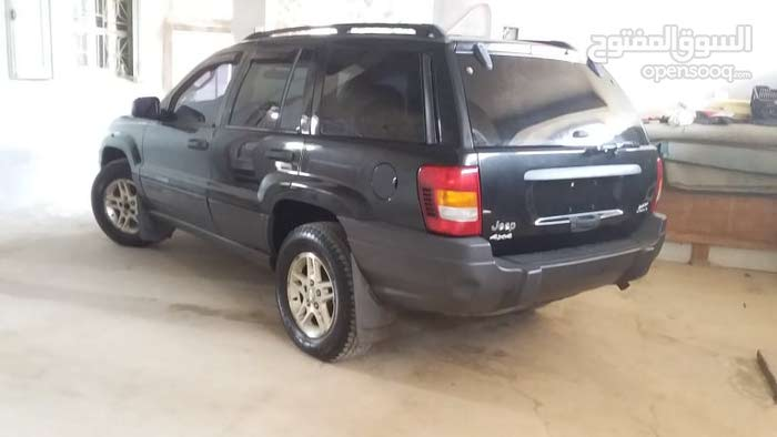 For sale 2004 Black Grand Cherokee