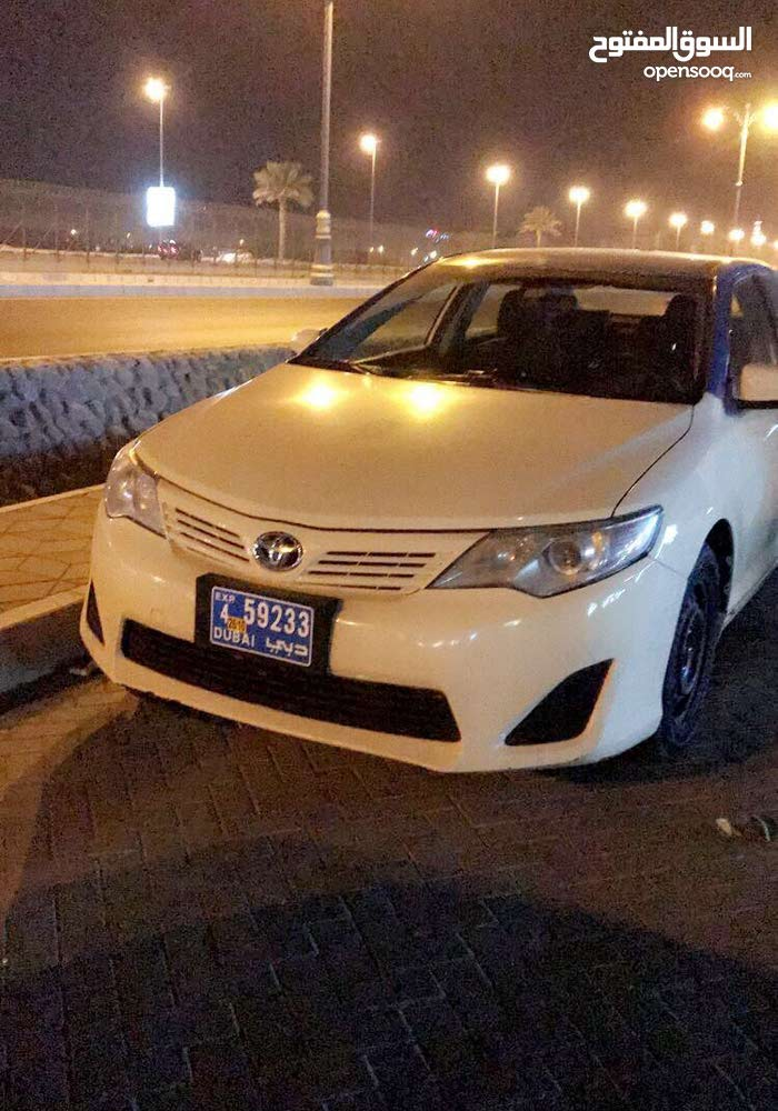 Toyota Camry 2014 For sale - Beige color