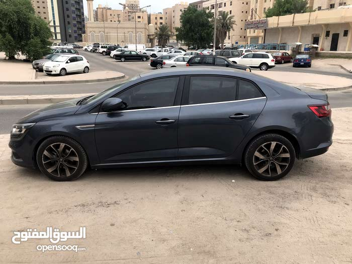 Automatic Renault 2018 for sale - Used - Hawally city