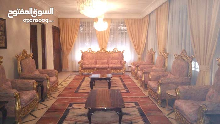 4 rooms and More than 4 bathrooms Villa for rent in AmmanAl Rabiah