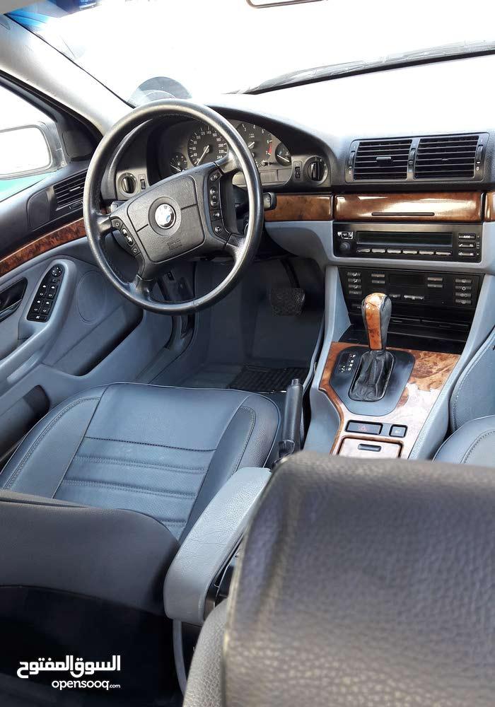 BMW 520i بحالة الوكالة