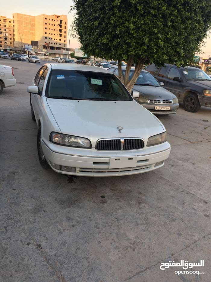 Used 2003 SM 5 in Misrata