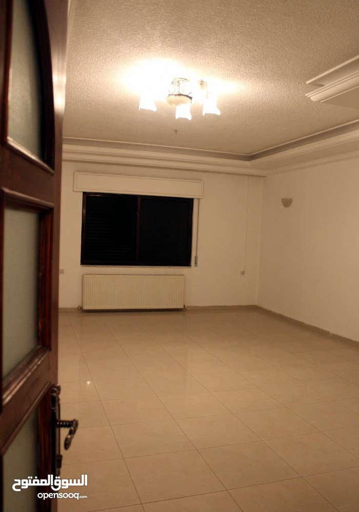 Swefieh apartment for rent with 3 rooms
