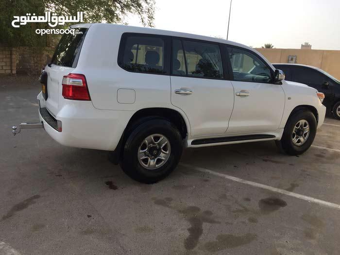 Manual Toyota 2011 for sale - Used - Shinas city