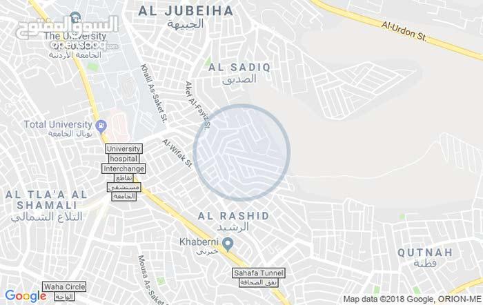 شقه فارغه للإيجار 180متر ضاحية الرشيد حي الصديق
