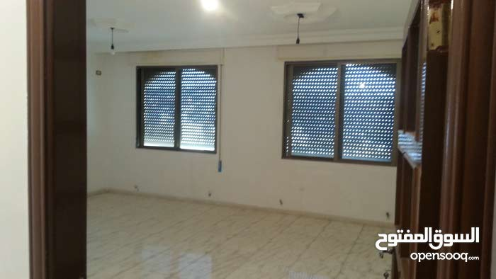 Abu Nsair neighborhood Amman city - 160 sqm apartment for rent