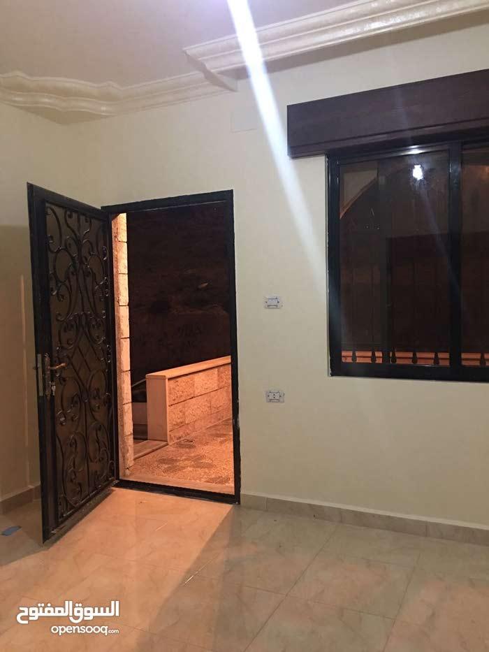 Ground Floor apartment for rent in Salt