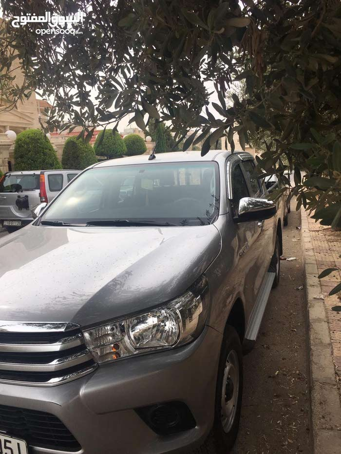 Available for sale! 40,000 - 49,999 km mileage Toyota Hilux 2017