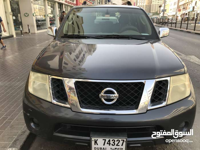 Nissan pathfinder GCC 2010 Mid option family used from owner