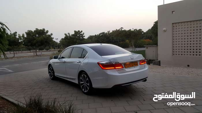 1 - 9,999 km Honda Accord 2013 for sale