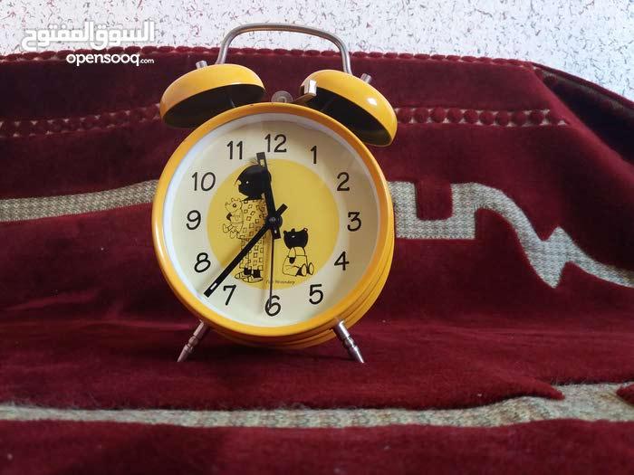 ساعة ميكانيكية نادرة وتعمل جيدا