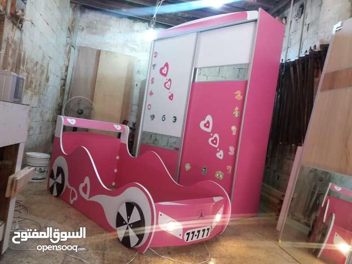 غرفة نوم بناتي بشكل سيارة