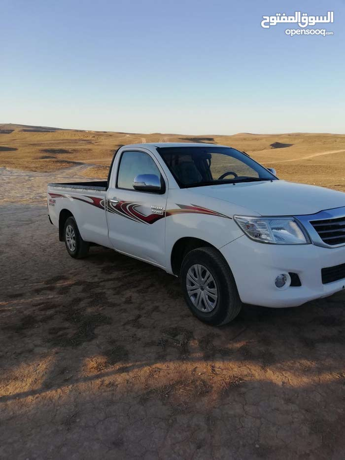 Toyota Hilux car for sale 2013 in Muscat city