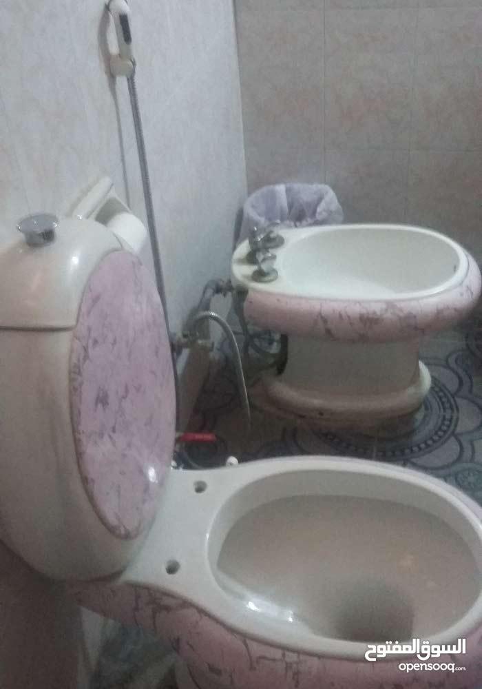 حمام مستعمل بحالة ممتازه ونوع فخم
