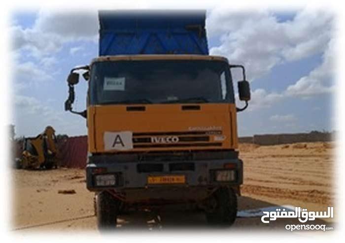 شاحنة افيكو صندوق موديل 2008