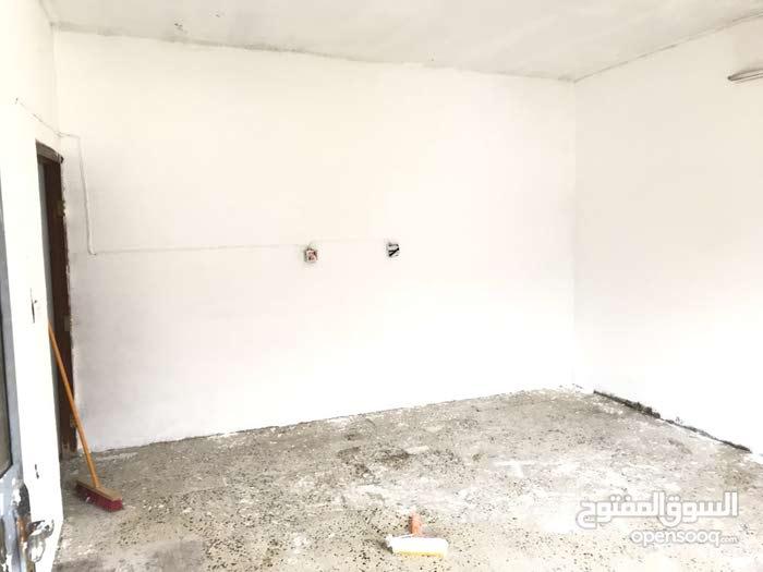 دار للايجار في منطقه حي الجهاد / الشارع التجاري / خلف مطعم ريلاكس