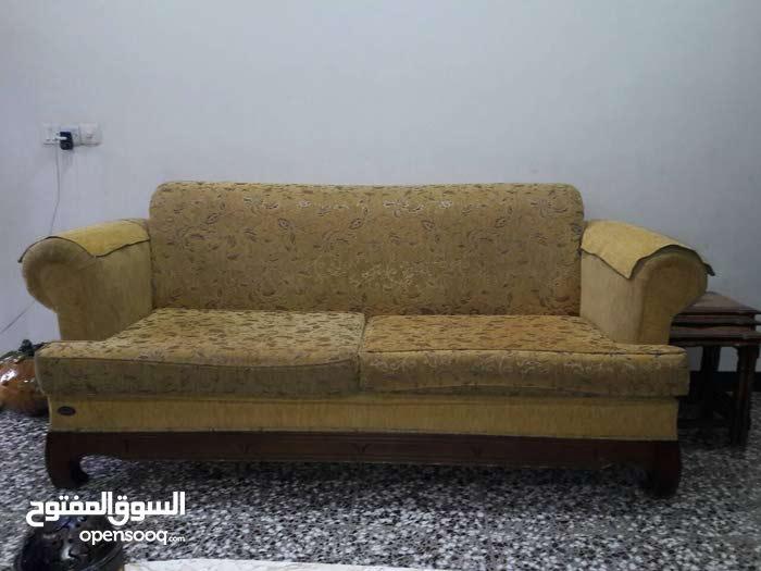 للبيع تخم اماراتي 10 مقاعد نظييييف جدا مع طبلات
