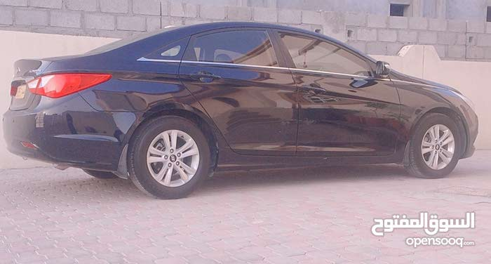 Automatic Hyundai 2011 for sale - Used - Sumail city